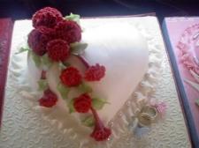 Özel Nişan Düğün Pastası Kalpli